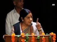 News video: Sushma Swaraj hails return of workers, nurses from strife-torn Iraq